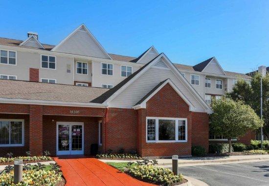 Woodbridge, VA: Entrance