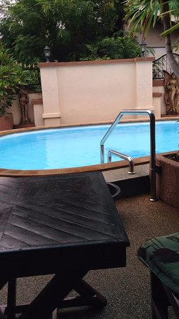 Mai Thai Guest House: Great cooling off pool, great for families
