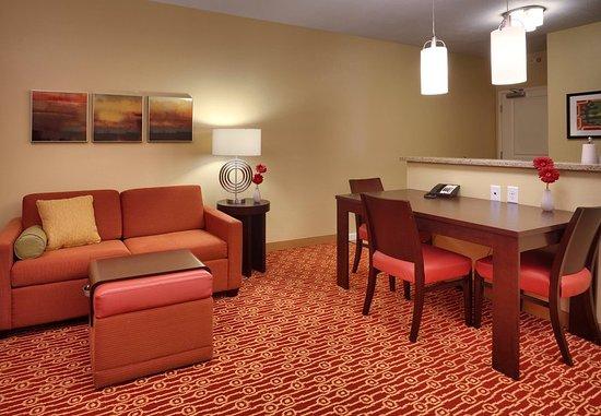 Vernal, UT: Suite Living Area