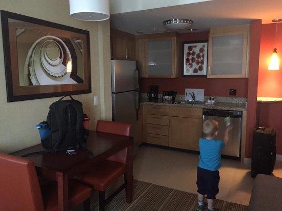 Residence Inn by Marriott Calgary Airport: photo4.jpg