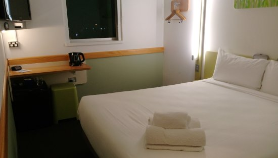Ibis budget Auckland Airport Photo