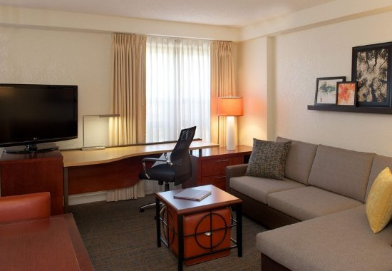 Newark, CA: Studio Suite