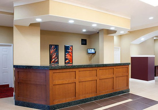 Newark, CA: Front Desk