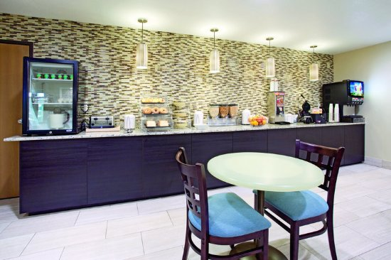 Castle Rock, CO: PropertyAmenity