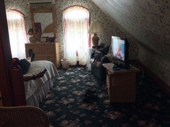 Henry Sawyer Inn : 3rd floor suite