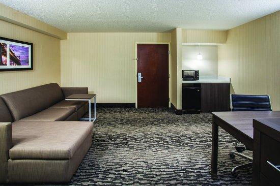 Elkton, MD: Suite