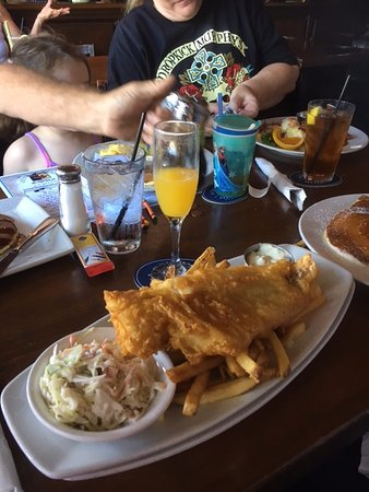 Seal Beach, CA: The piece of fish is nearly as large as the plate. Good fries and tarter sauce too.