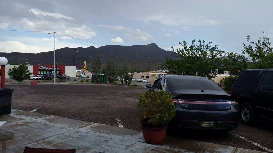 Desert View Inn: A real Desert View and keeping a watch on your vehicle
