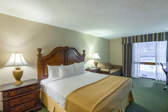 DeSoto, TX: King guest room