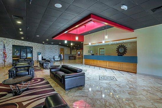 DeSoto, TX: Lobby