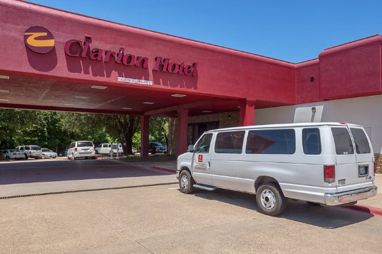 DeSoto, TX: Exterior