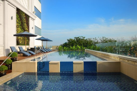 Four Points by Sheraton Medan: Swimming Pool