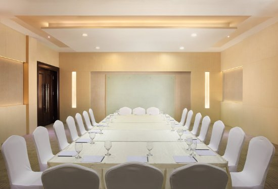 Four Points by Sheraton Medan: Meeting Room