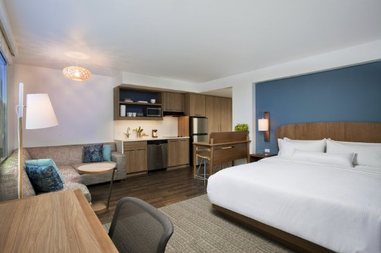 Palmdale, CA: Room Overall