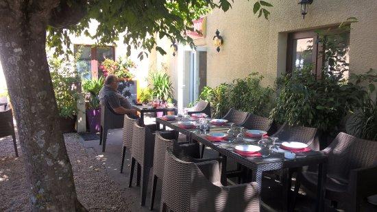 Sauveterre-De-Guyenne, Frankrike: dehors au frais !