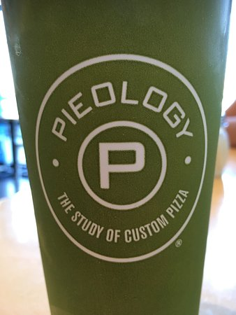 Apple Valley, CA: Pieology Pizza 🍕