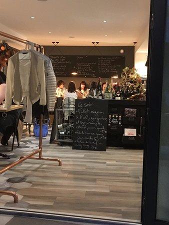 Saint-Amour-Bellevue, Франция: L'intérieur du resto