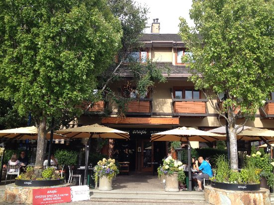Araxi Restaurant & Oyster Bar : Patio viewed from Village Square