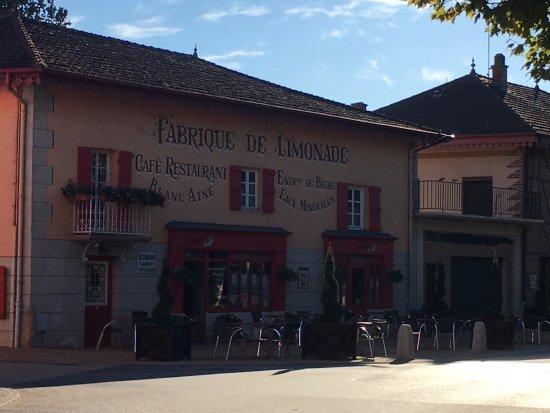 Residence des Saules : Brasserie Blanc - Très agréable, personnel jeune et sympathique!