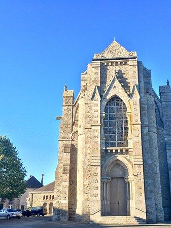 Basilique Notre-Dame de Pitié