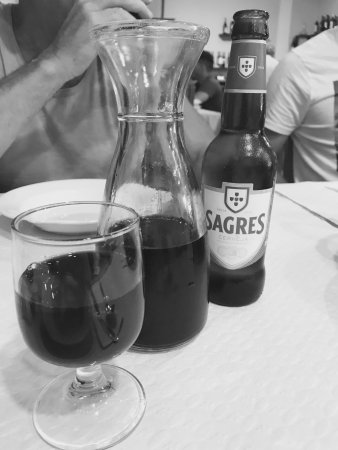 Arganil, Португалия: wine or beer with your meel