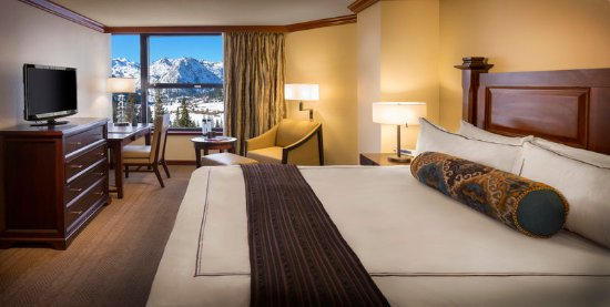 Olympic Valley, CA: Resort at Squaw Creek_Guest Room_Deluxe King Room