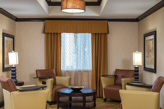 Anderson, SC: Lounge area with Free Wireless Internet access