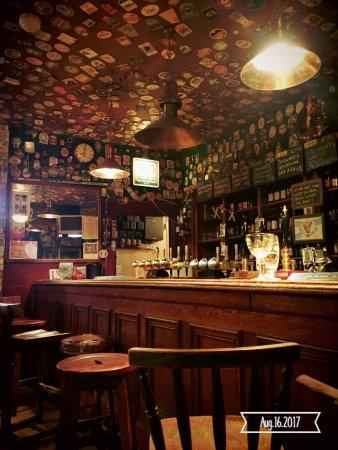 Fortrose, UK: Il pub dietro al ristorante