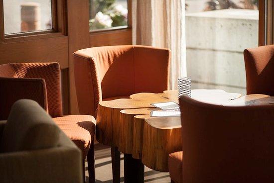 Kirkland, WA: Woodmark Hotel_Restaurant_bin on the lake lounge