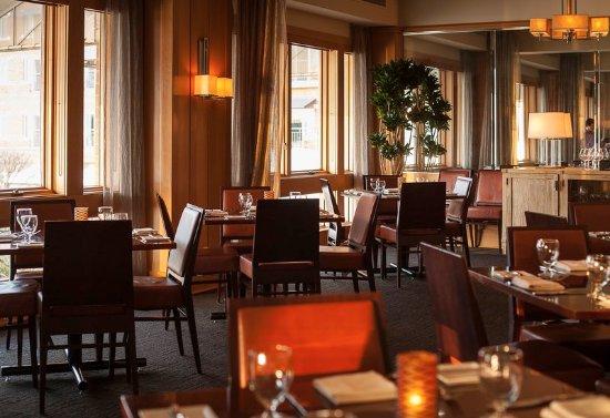 Kirkland, WA: Woodmark Hotel_Restaurant_bin on the lake dining