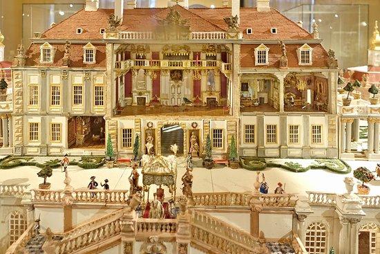 Rudolstadt, เยอรมนี: Ausstellung von Schloss-Miniaturen