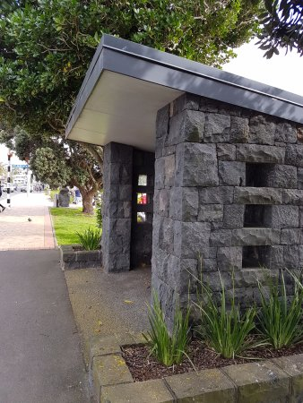 St. Helier's Bay : Shelter
