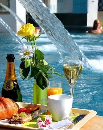 Leukerbad Therme : Champagner - Frühstück