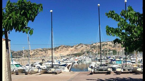 Le nautilus marseille chemin du littoral restaurant avis num ro de t l phone photos - Office du tourisme marseille telephone ...