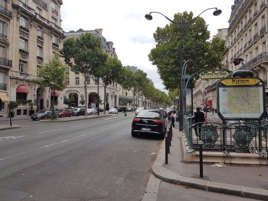Velizy-Villacoublay, Fransa: Transport Liberty VTC taxi moto avenue Kleber Paris