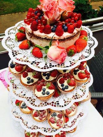 Hochzeitskuchen Cup Cakes Bild Von Konditorei Nick Bonn