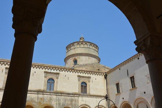 Montescaglioso, Italy: Torrione dal chiostro secondario