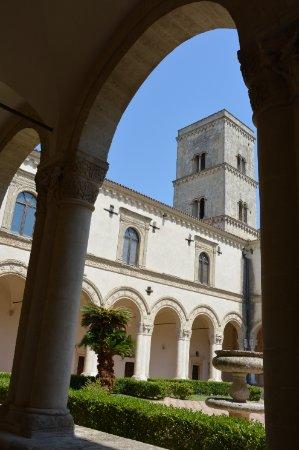 Montescaglioso, Italy: Chiostro principale