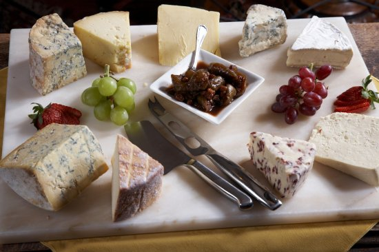 Stone House Hotel Restaurant: Don't miss our famous cheese board