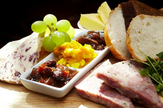 Stone House Hotel Restaurant: Ploughman's lunch
