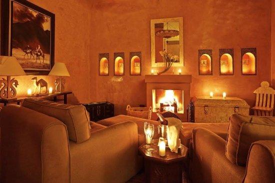 Riad Noir d'Ivoire: Lounge area in suite