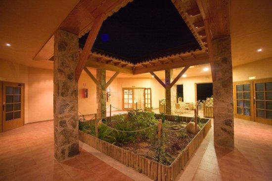 Navajas, Spain: Porche