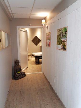 ฟัวซ์, ฝรั่งเศส: L'accès à la cabine soin donne le ton ... cocooning et apaisant.