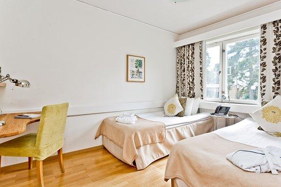 Stora Brannbo Konferens & Hotell: Double room / Dubbelrum med två enkelsängar
