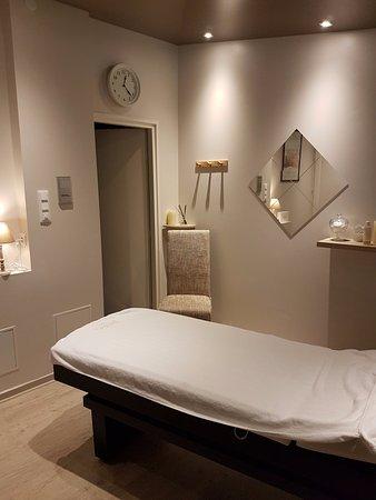 Foix, Frankreich: La cabine soin. Moment de détente ... Soin du visage, soin du corps, massage, gommage, massage D