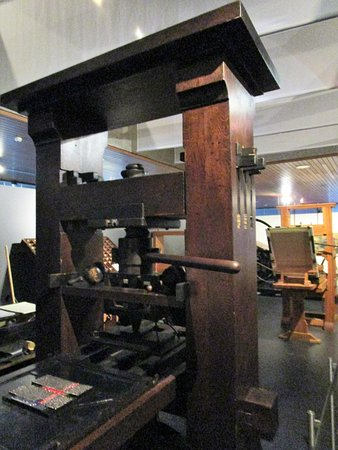 Gutenberg-Museum: Replica of Gutenberg Press