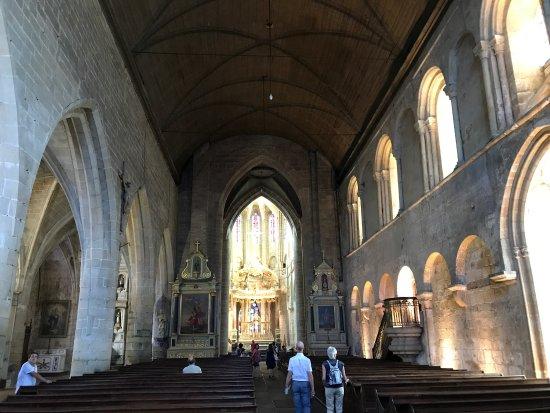 Basilique St-Sauveur: photo2.jpg