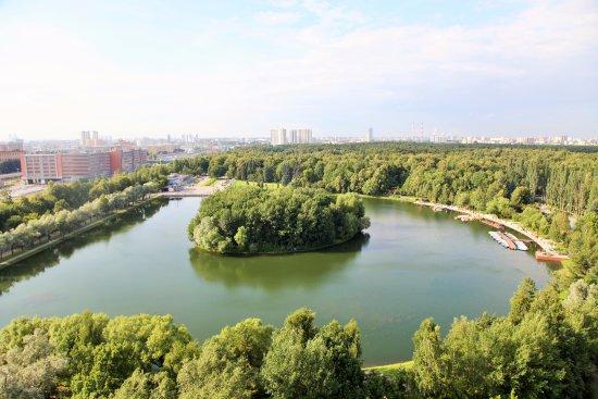 伊兹麦洛娃公园