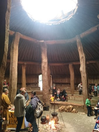 Cranborne, UK: Inside earth house