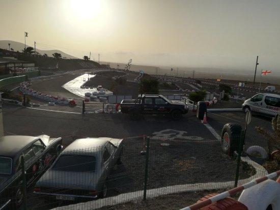 San Bartolome, Hiszpania: Scorcio della pista all'alba